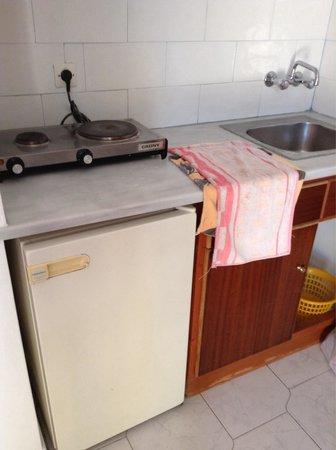 Afentouli Studios: Kitchen