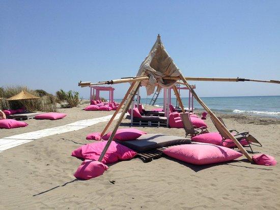 Pink Beach Club Spiaggia E Lettini