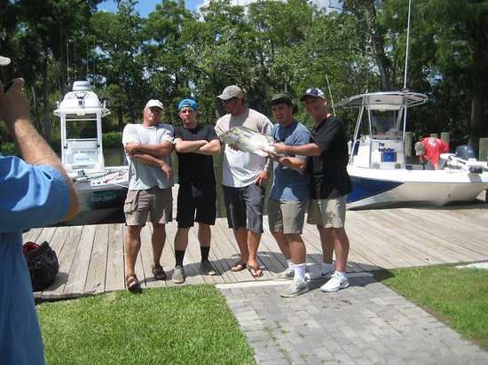 Caught Up Charters -Tours : too much fun