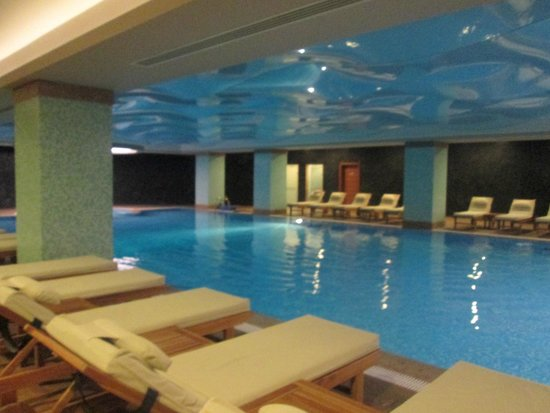 Ramada Plaza Antalya: PISCINE COUVERTE