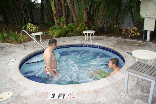The Inn at Key West: Whirlpool mega heiß...