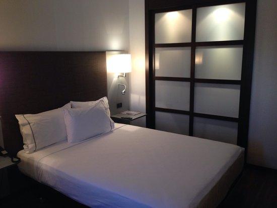 AC Hotel Alicante: Standard room very good!