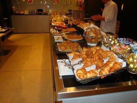 AC Hotel Alicante : Breakfast