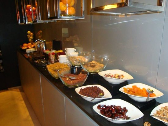 AC Hotel Alicante: Breakfast