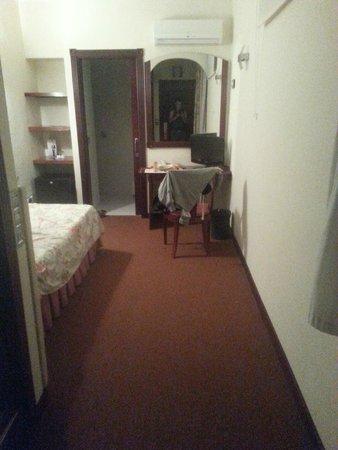 Hotel El Tope: This is a single person room no balcony