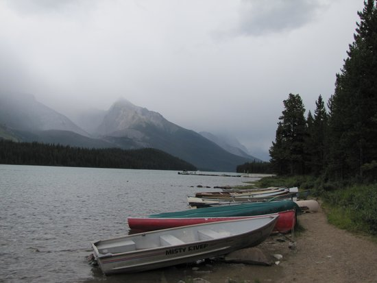 Chateau Jasper: Maligne Lake