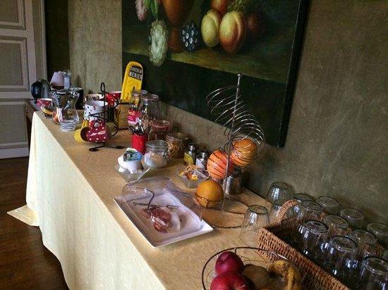 Château De La Marche : Breakfast buffet (included)