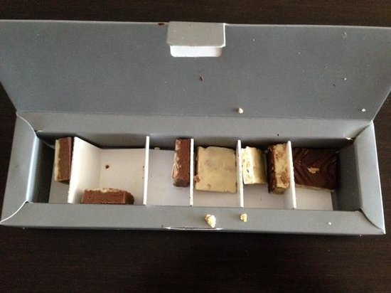 InterContinental Doha The City: Chocolate gift box after opened