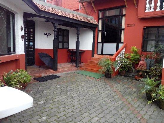 Bhaktapur Guest House : Reception Entrance