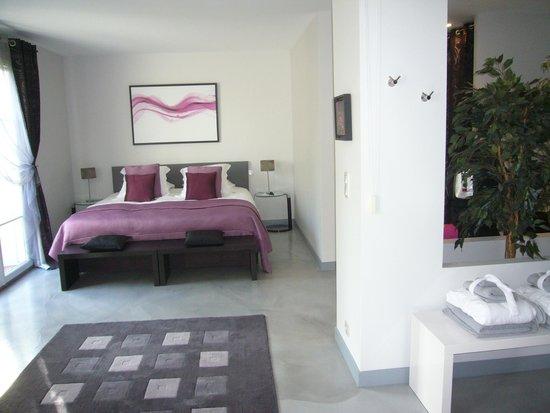 La Villa Cecile : Kingsize-Bett