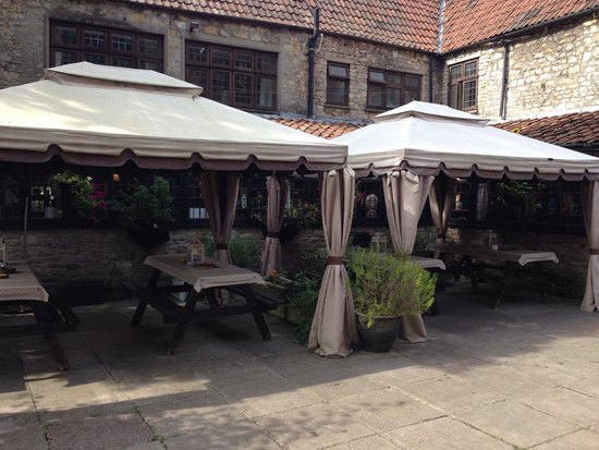 The Kings Arms - Dusthole: Front garden