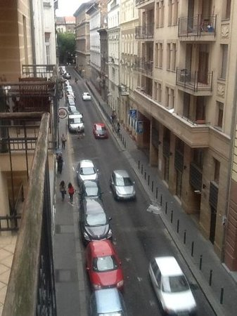 King Apartments Budapest: view from Apartment to Szekely Mihaly utca below