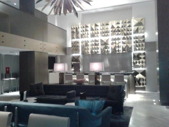 Morgans New York Hotel: Breakfast/Dining area