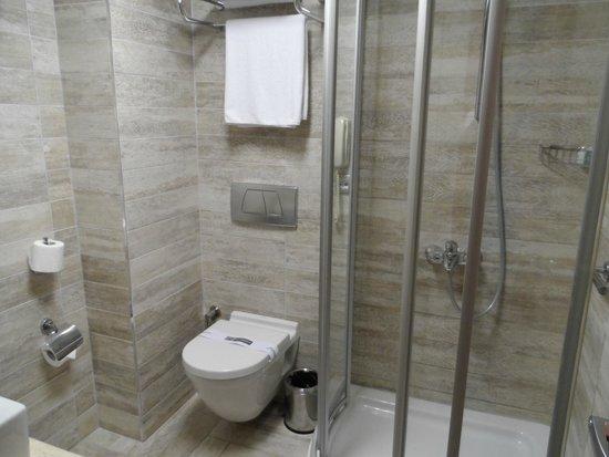 Hotel Polatdemir: Salle de bain moderne