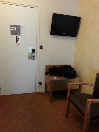 Hotel Magellan : Room - view 3