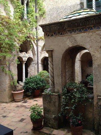 Villa cimbrone foto di giardini di villa cimbrone ravello tripadvisor - Giardini di villa cimbrone ...