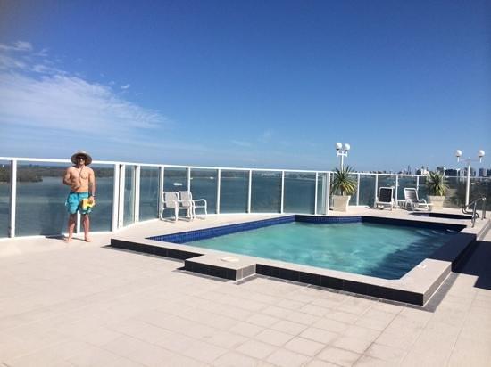 The Atrium Resort: rooftop pool