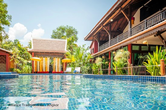 Alliance Tradition Villa - Charming Small Hotel: cooling down