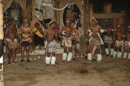Shakaland: traditionele dans