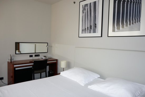Atrium Hotel: General Pic of room