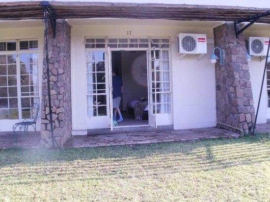 Ilala Lodge: Room opening out on to the garden