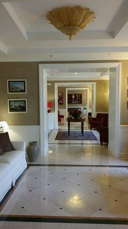 Hotel San Pietro : Reception hallway
