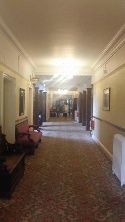 Cumbria Grand Hotel: The lobby