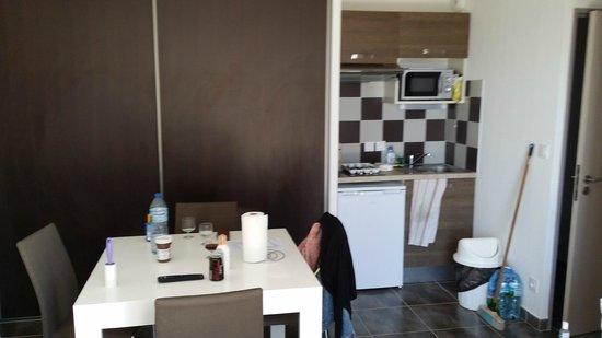 Les Demeures Torrellanes : cuisine / salle à manger