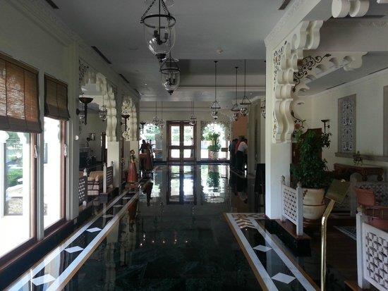 Trident Udaipur: Inside hotel