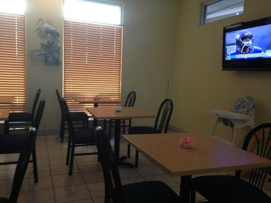 Quality Inn N.A.S. - Corry: Breakfast  Room