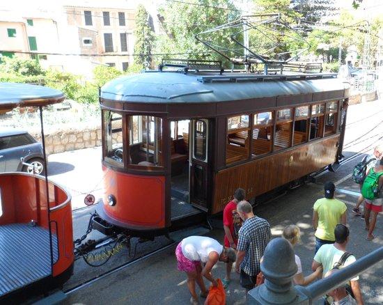 Hotel JS Sol de Alcudia: Soller tram