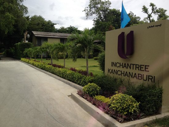 U Inchantree Kanchanaburi: Resort entrance