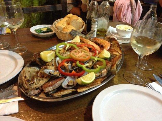 Avenida Restaurante: Parrillada de pescado per 2 persone, 32€