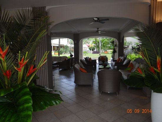 Hotel La Pagerie: Réception fleurie