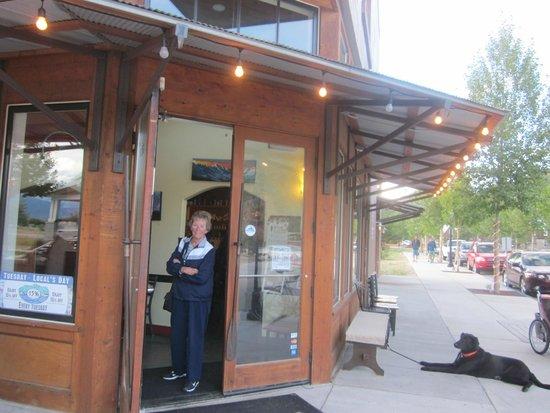 Eddyline Restaurant at South Main: Arrival