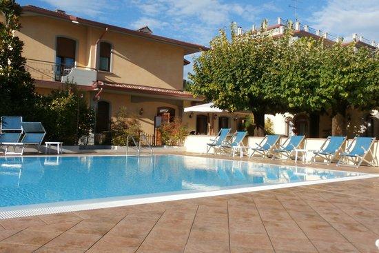 Gardenia Hotel: Pool