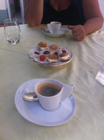 Le  Clos  Champel : café
