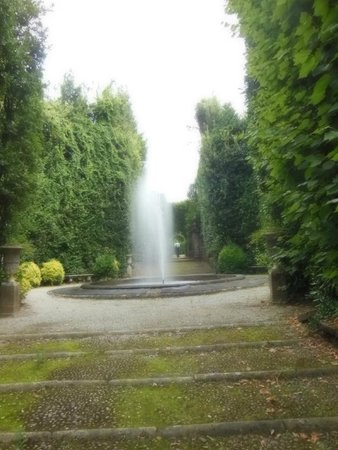 Park of Villa Reale : fontana