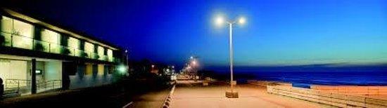Furadouro Boutique Hotel Beach & SPA: Night shot with proximity to beach