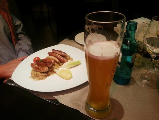 Novina Hotel Tillypark: The famous Nuremberg sausages with a glass of beer