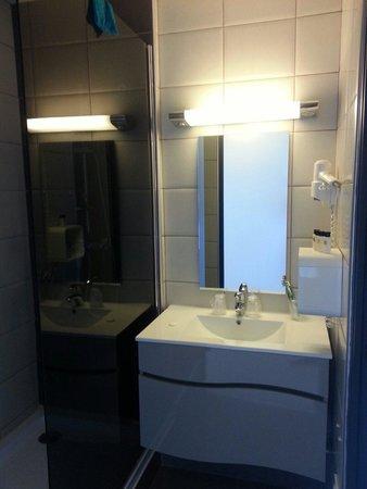 Hotel de la Plage: Salle de bain