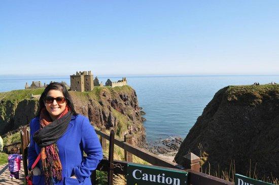 Dunnottar Castle: approaching the castle