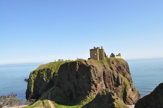Dunnottar Castle: Perched on a hill
