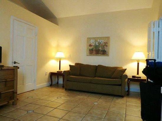Douglas House: Living Room
