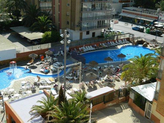 MedPlaya Hotel Regente : pool view from 4th floor