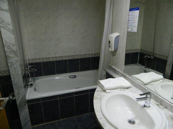 MedPlaya Hotel Regente: bathroom
