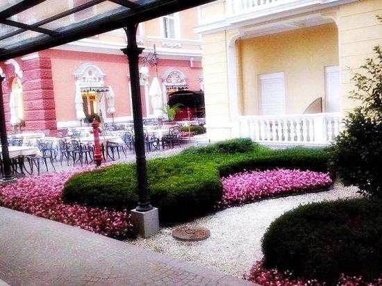 Grand Hotel 4 Opatijska Cvijeta: ingresso