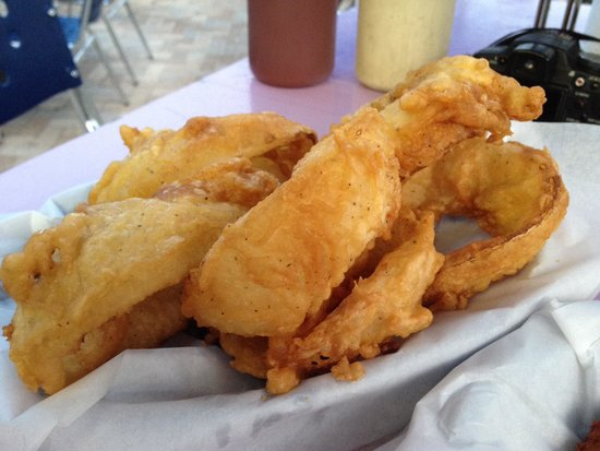 Dockside Dave's : Small portion of onion rings!