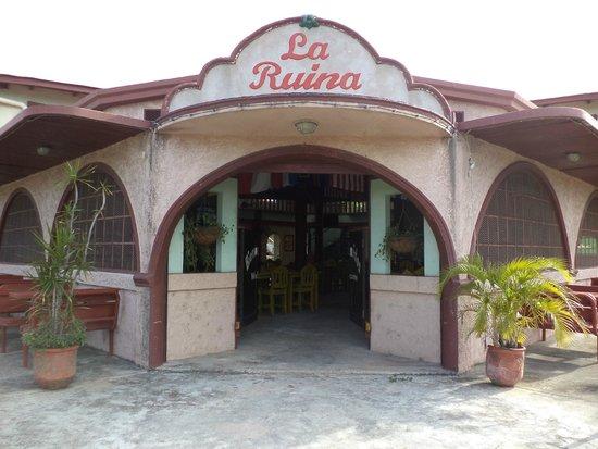 La Ruina Restaurant & Bar: Local Historical ambiance