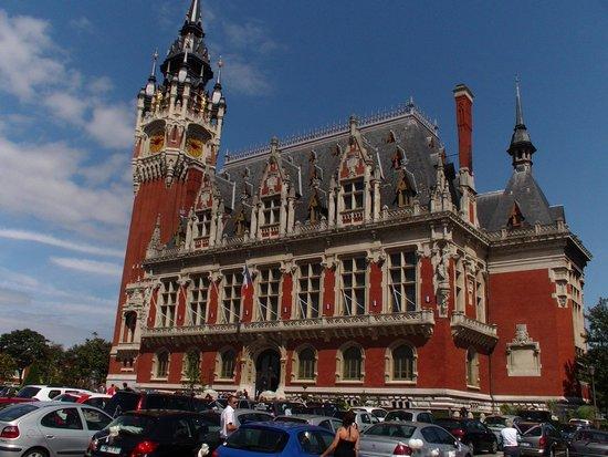 Hotel de Ville : Town Hall